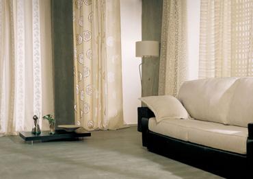 Confecci n e instalaci n de cortinas estores barras for Visillos para salon rustico